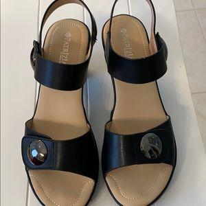 Patrizia Black Leather platform sandals, size 9.